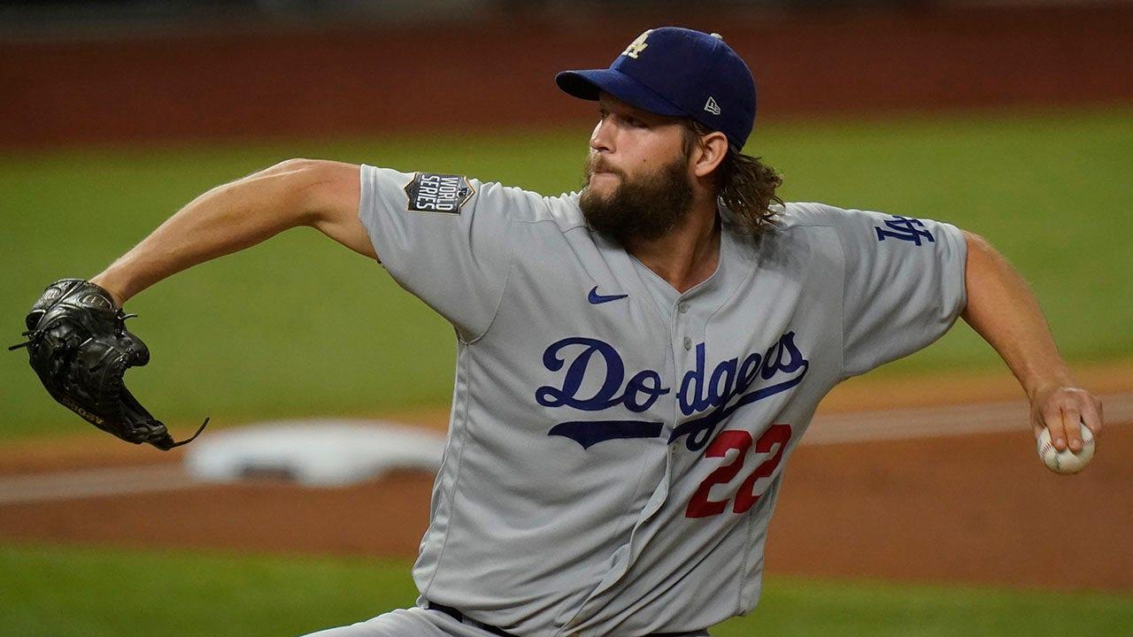 Màn trình diễn của Clayton Kershaw đủ để Dodgers giành chiến thắng ở Game 5, cách World Series một chiến thắng