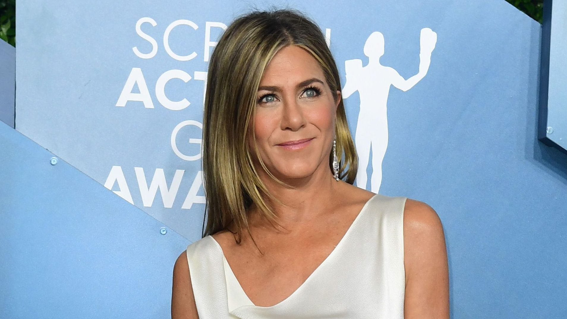 Jennifer Aniston discourages voters from supporting Kanye West, casts her ballot for Joe Biden - Fox News