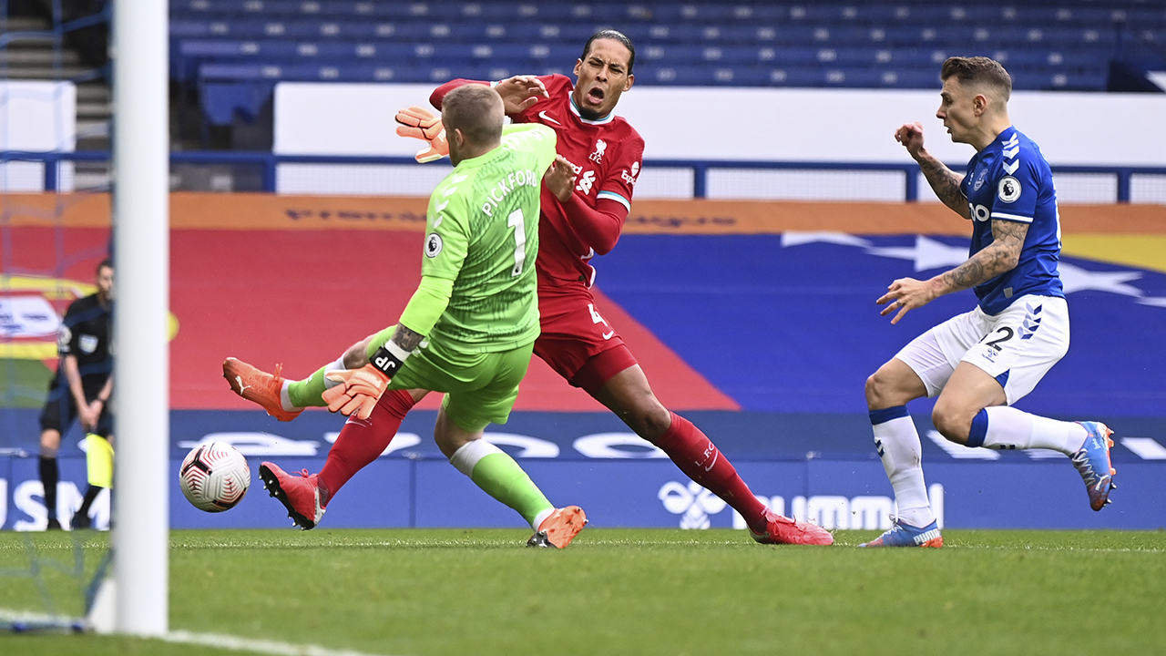 Van Dijk injury causes concern for frustrated Liverpool