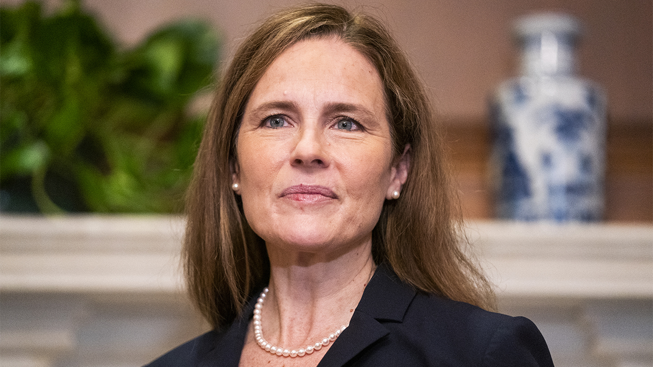 Justice Clarence Thomas to administer oath of office for Amy Coney Barrett