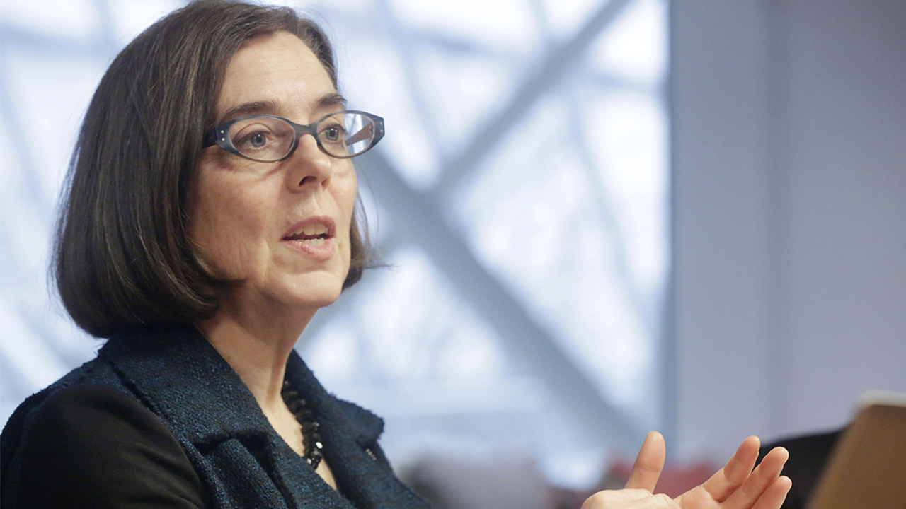 Oregon governor urges residents to