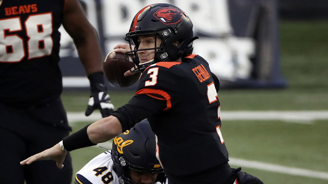 Gebbia's TD trifecta leads Oregon State, 31-27, over Cal