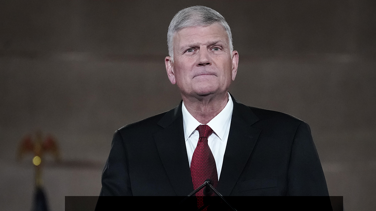 Rev. Franklin Graham praises 3 Trump-appointed Supreme Court justices after New York religious case