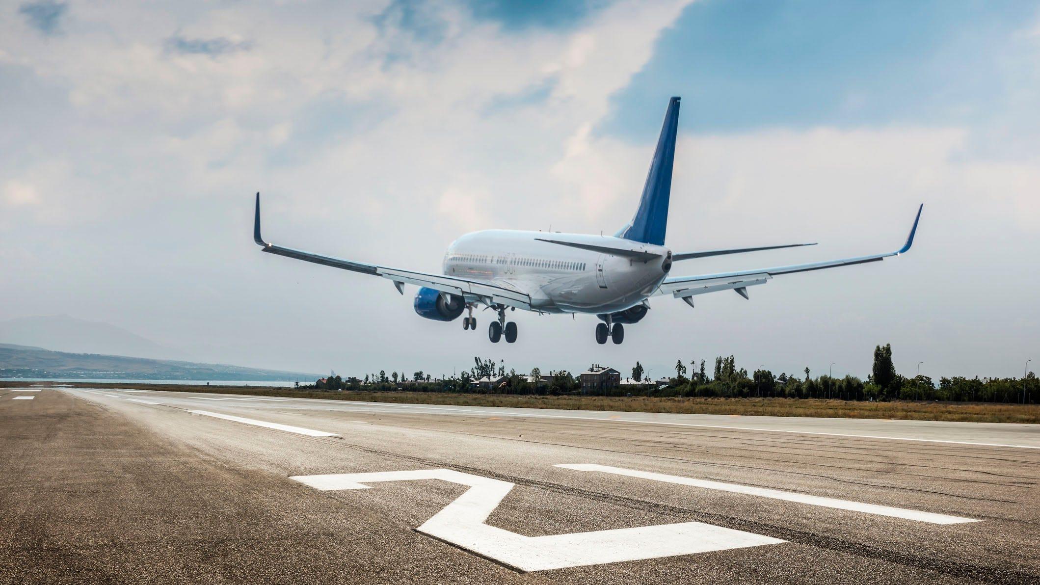 Netherlands proposes ban on flights, curfew to combat coronavirus