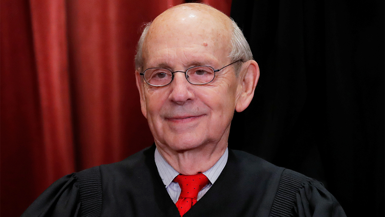 Liberals tell Breyer to retire after McConnell says he won't support Biden Supreme Court pick in 2024