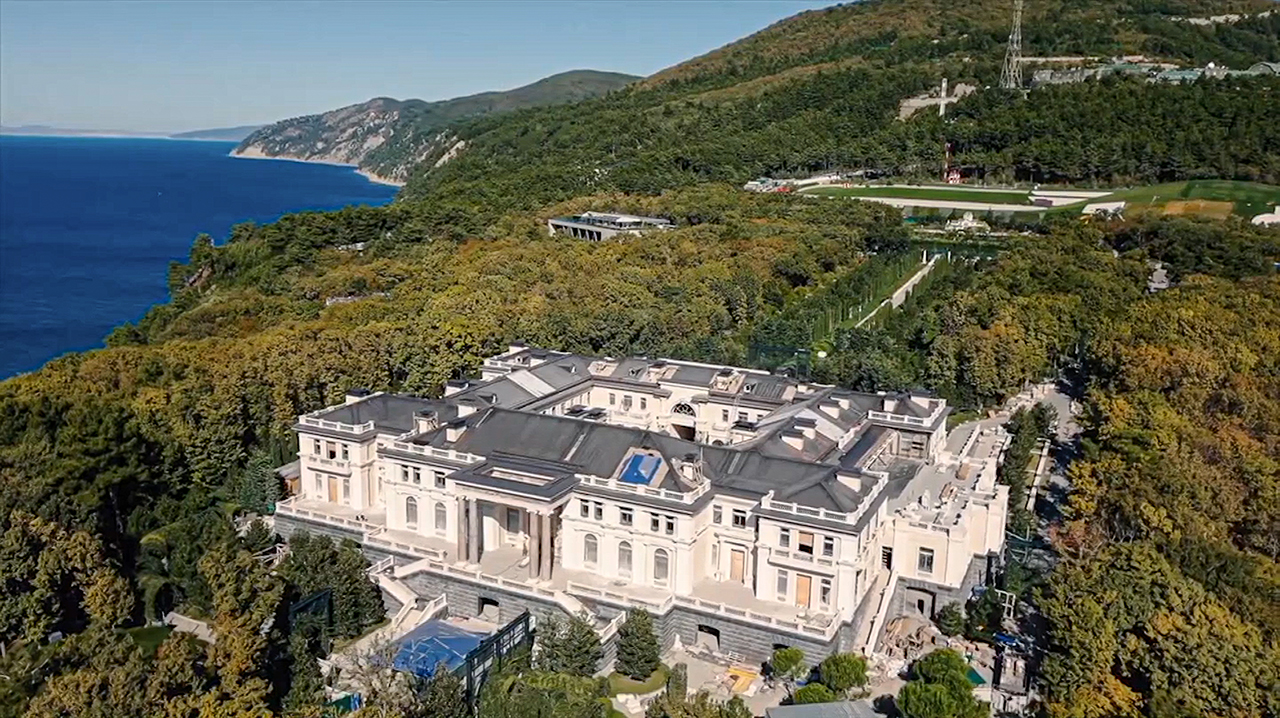 Documentary alleging opulent Putin palace gets 100M views – Fox News