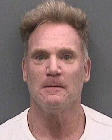 Pria Florida diduga membakar dirinya saat mencoba membakar rumahnya: lapor