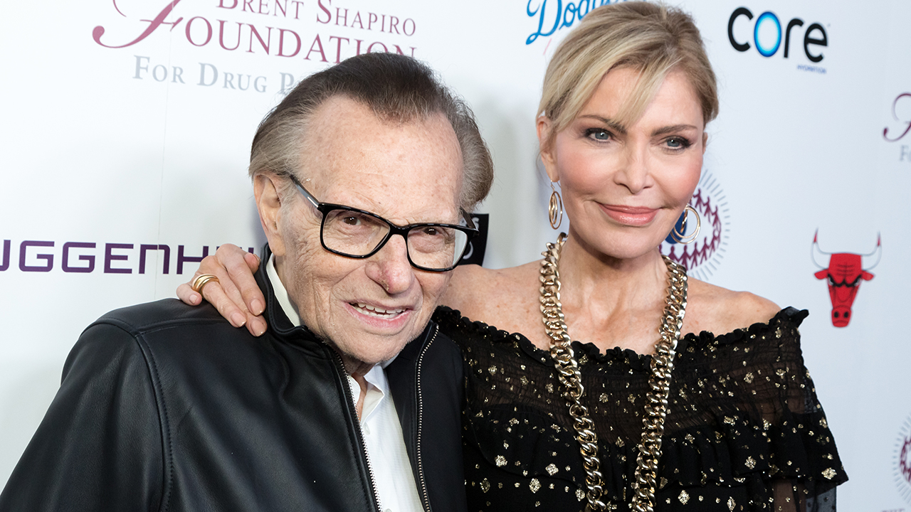 Larry King's wife Shawn King speaks out after TV talk-show icon is laid to rest: 'I'm still processing' – Fox News