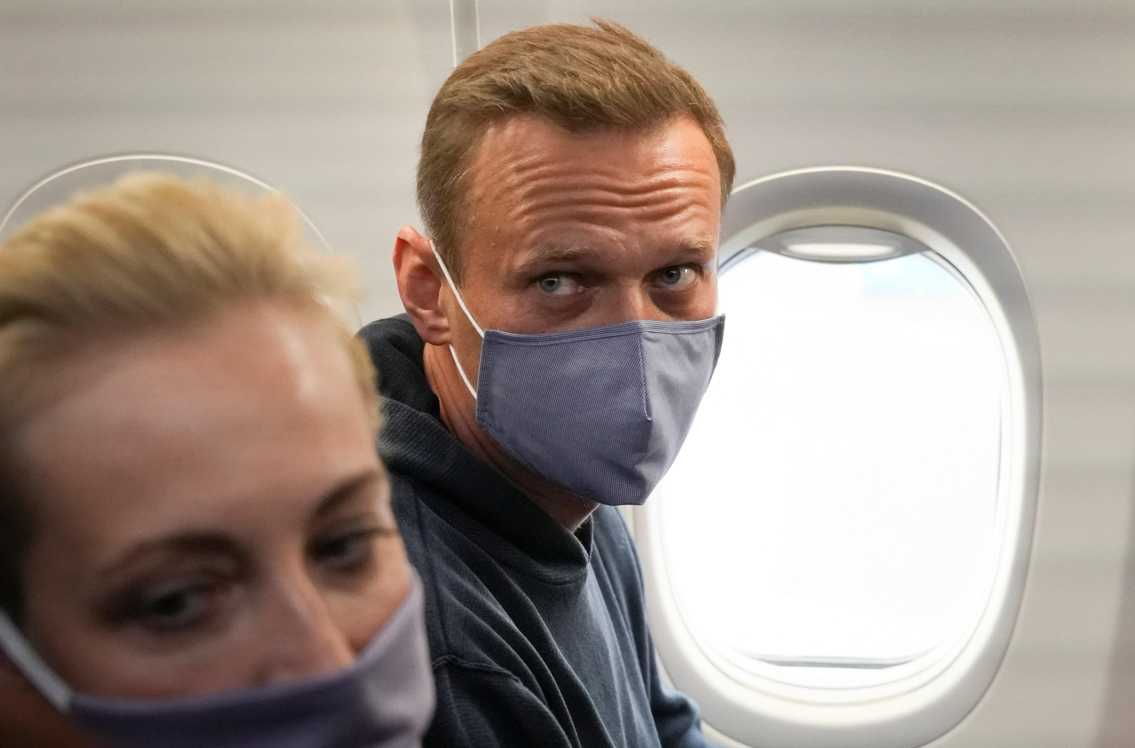 Navalny-Plane2-AP.jpg