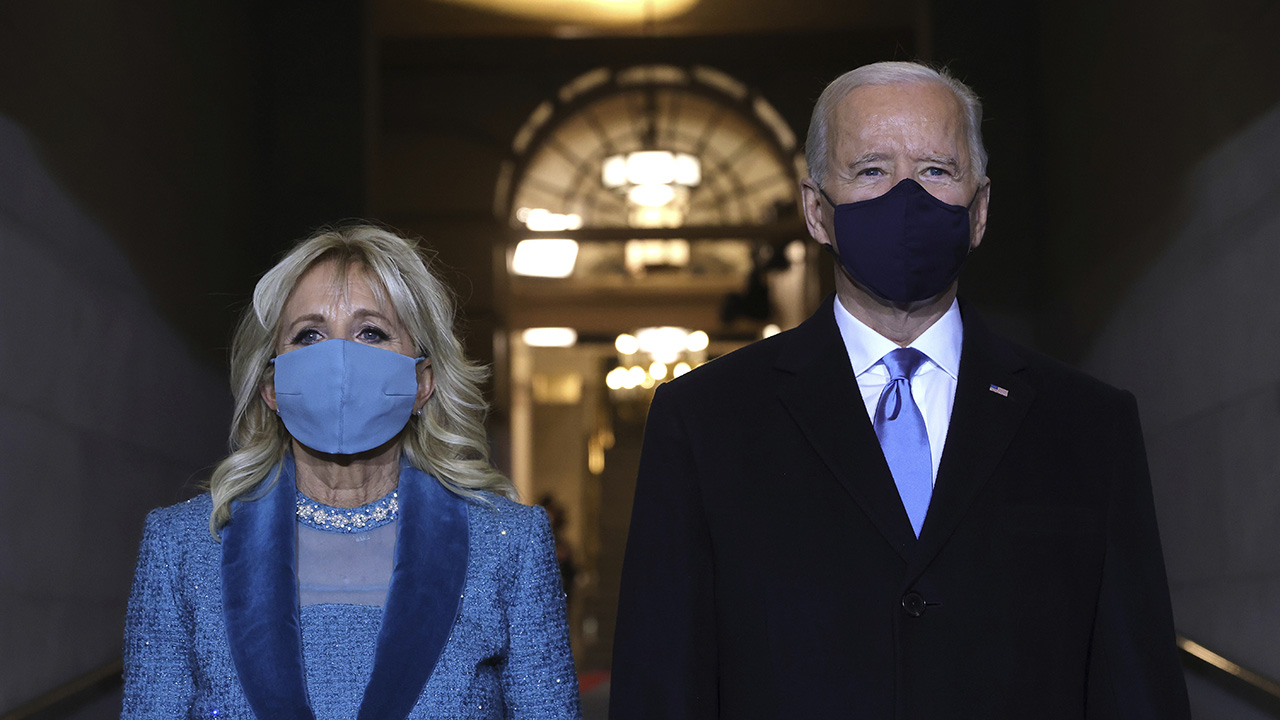 Biden says wearing masks inside 'still good policy,' even when vaccinated - Fox News