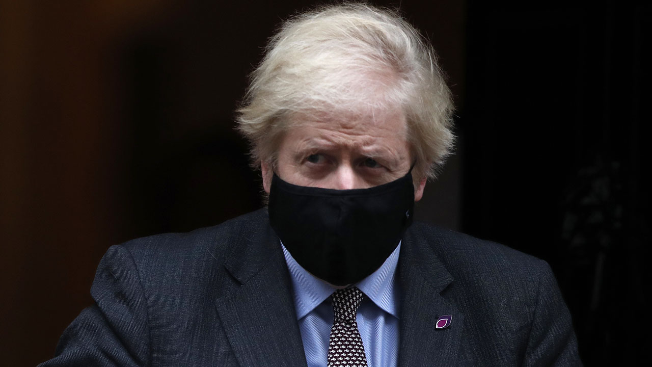 Boris Johnson effectively extends UK coronavirus lockdown after delaying school reopenings – Fox News