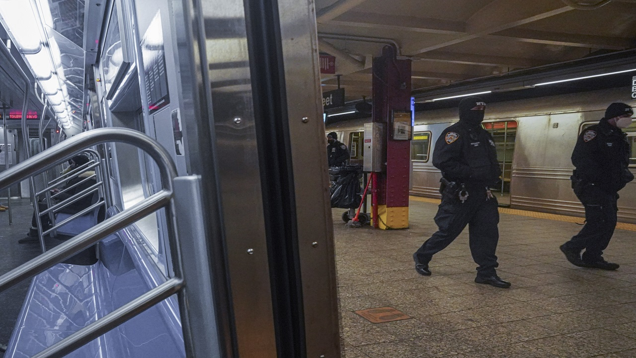 NYC transit workers worry about safety amid a spike in subway violence - Fox News