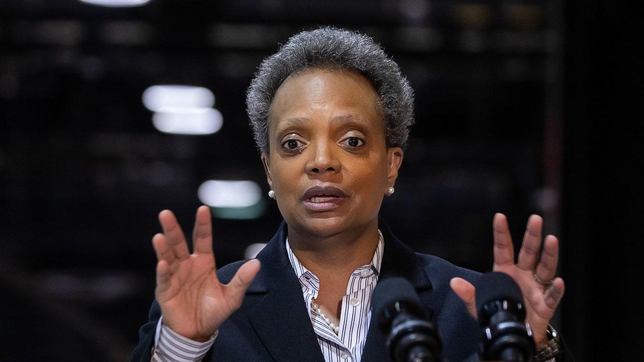 Chicago Mayor Lori Lightfoot will encourage masks despite CDC guidance