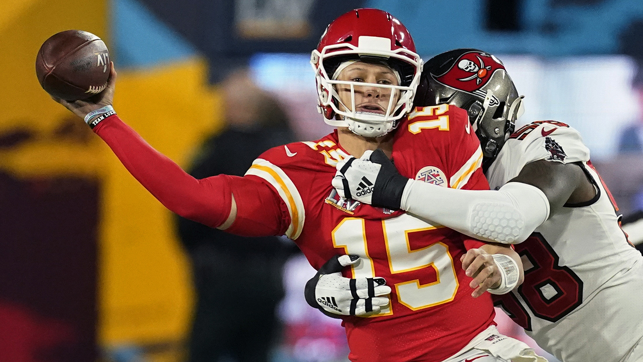 Chiefs' Patrick Mahomes ran for nearly 500 yards in Super Bowl LV loss to Buccaneers - Fox News