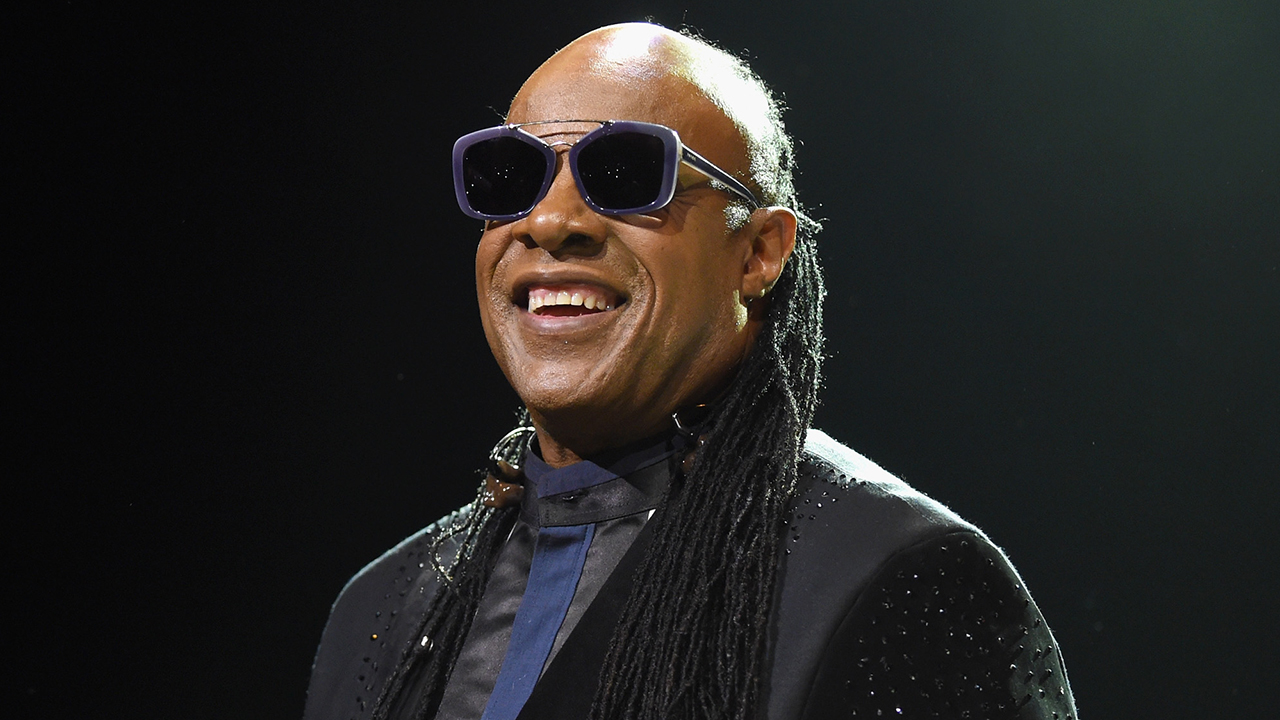 Stevie Wonder tells Oprah he's leaving US for Ghana -- permanently - Fox News