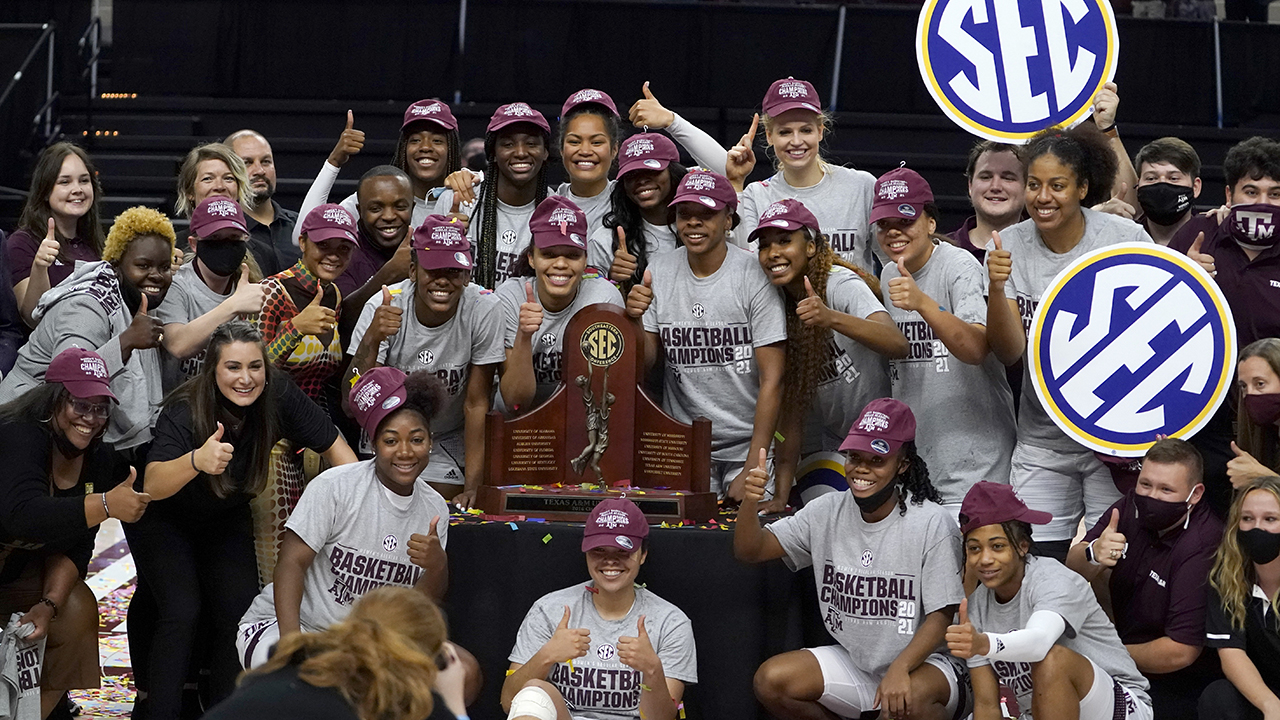 Aggies reach best-ever ranking of No. 2 in women