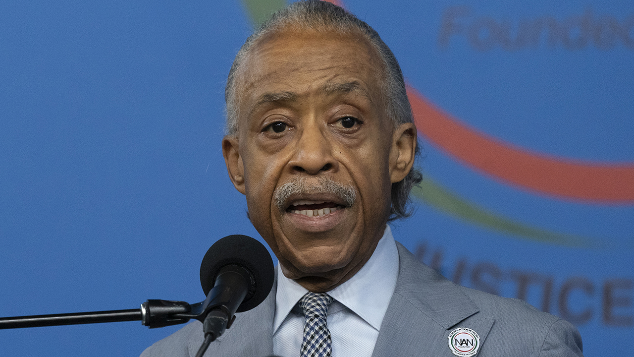 Al Sharpton touts private jet before joining George Floyd's family as Chauvin trial concludes – Fox News
