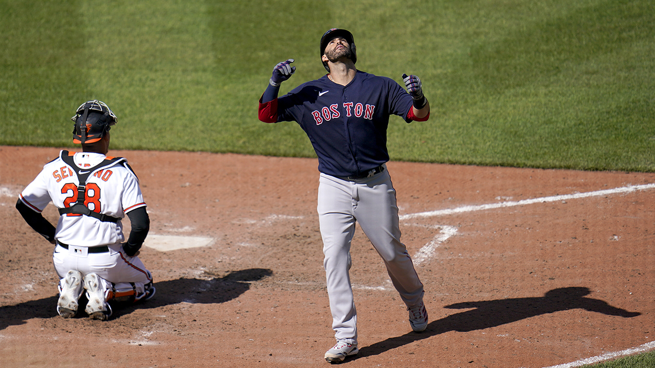 Martinez comes off COVID list, hits 3 HRs as Red Sox top O's