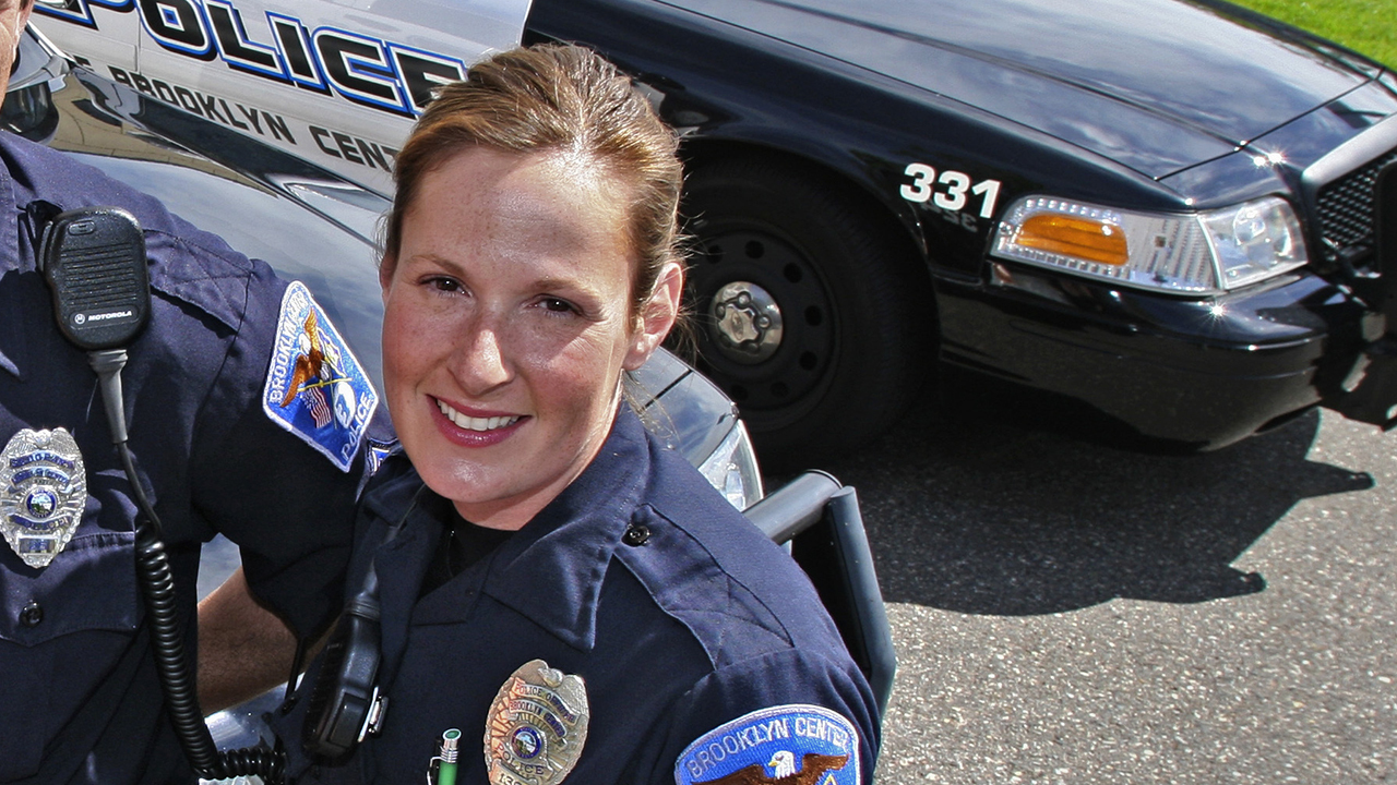 Who is Kimberly Potter, the cop involved in the Daunte Wright deadly shooting