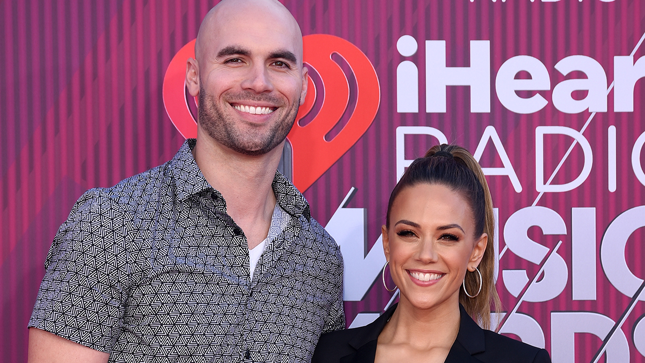 Jana Kramer apparently announces split from Mike Caussin: 'nothing else to give'