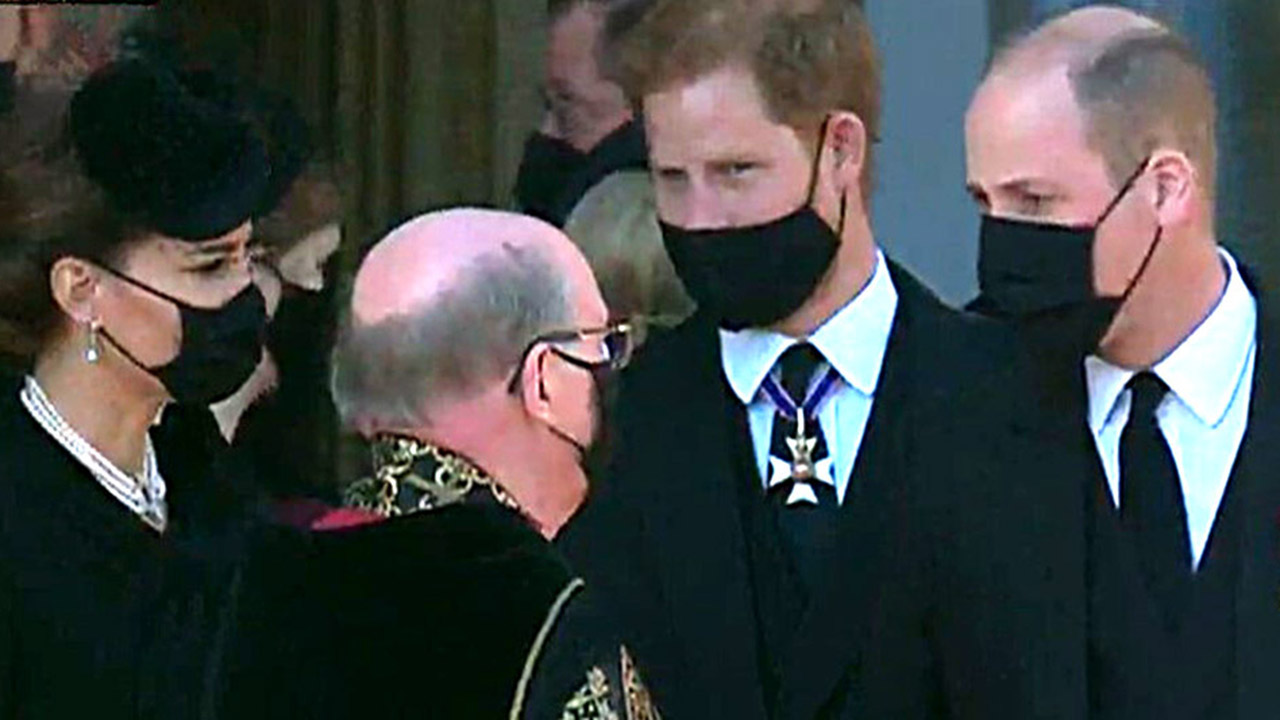 Photo of Prince William asked to not walk beside Harry at Philip's funeral