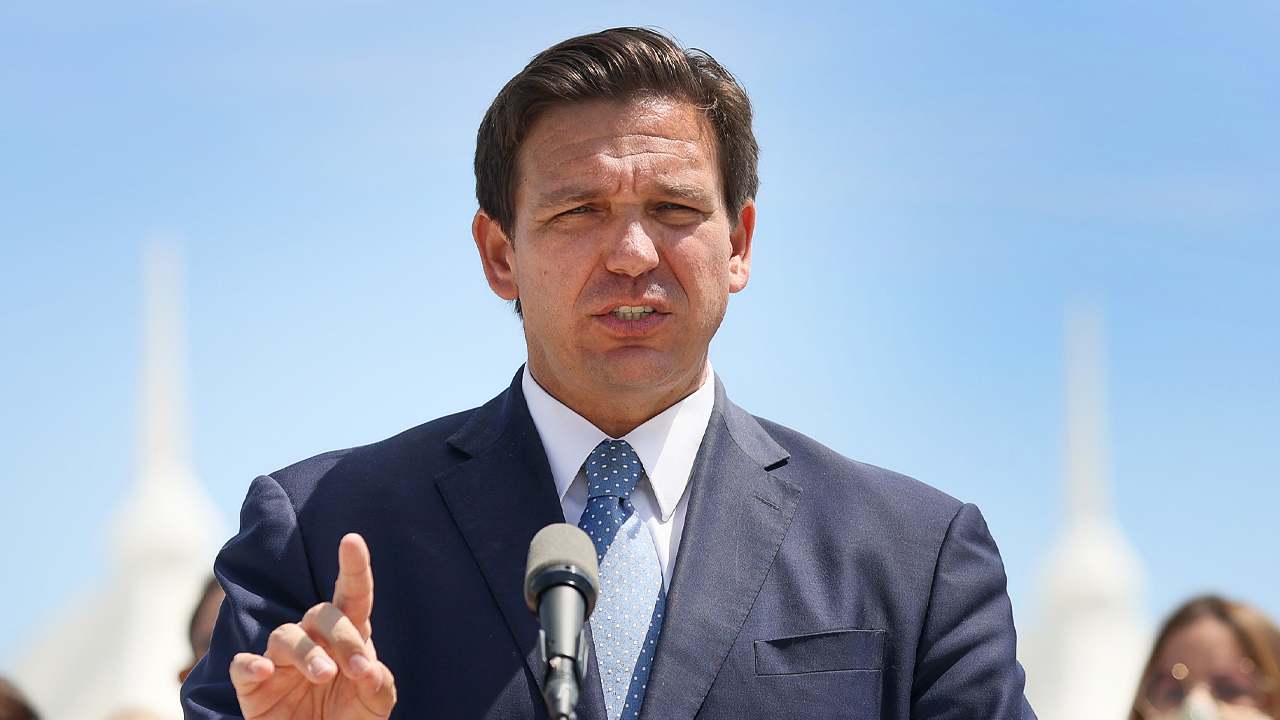 Florida board of education approves DeSantis' rule banning critical race theory thumbnail