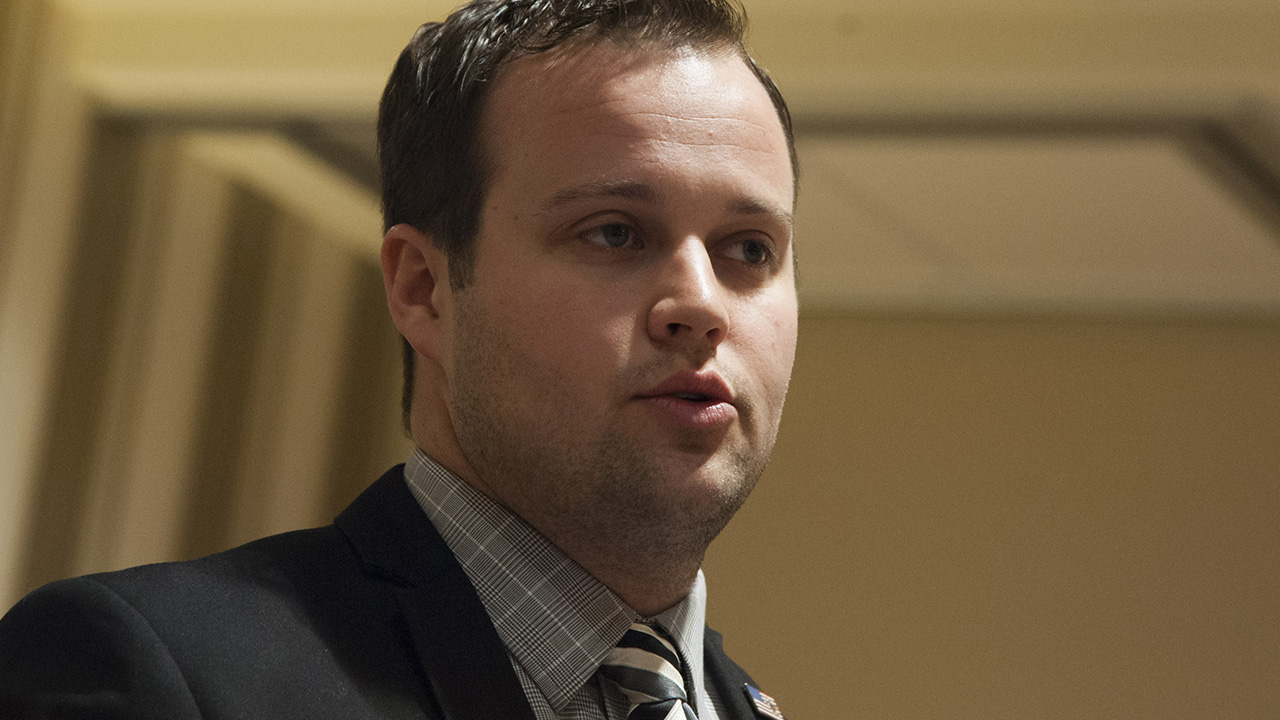 Josh Duggar asks court to move child pornography trial to 2022
