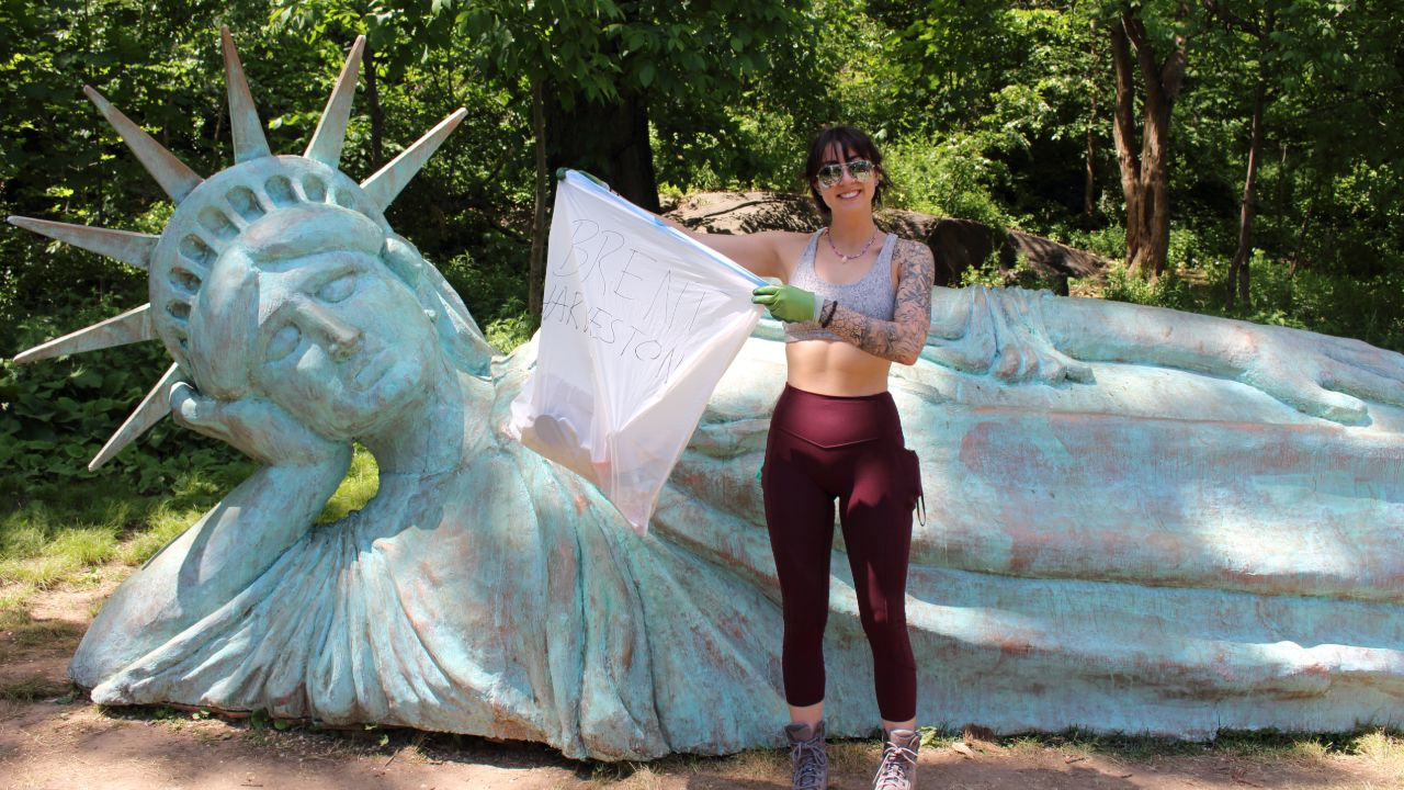 Colorado woman Stefani Shamrowicz spends vacation crossing US cleaning up trash