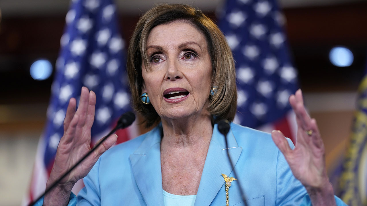 Pelosi says Dems' massive spending bill should include immigration reform