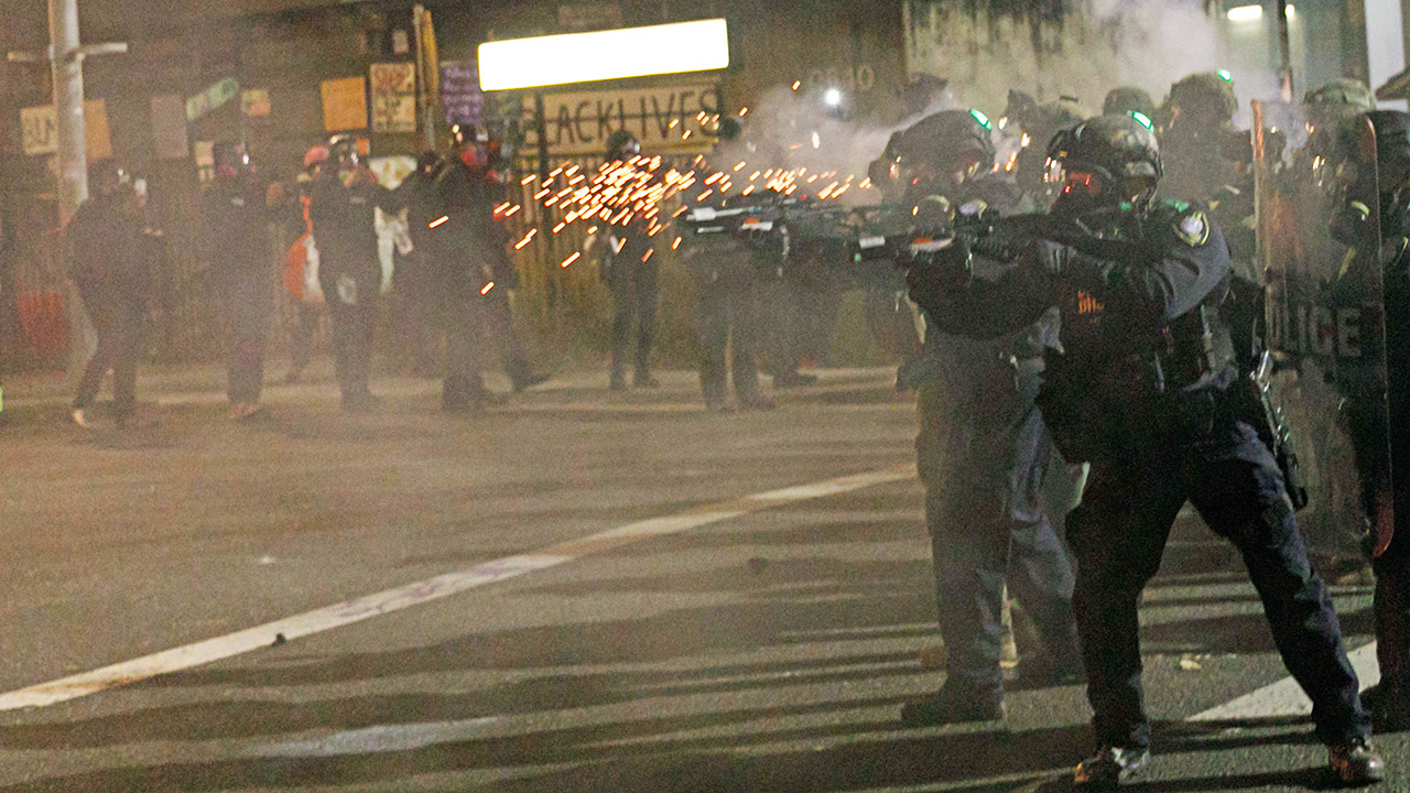 Portland cops quit riot team after officer charged with assault of photographer – Fox News