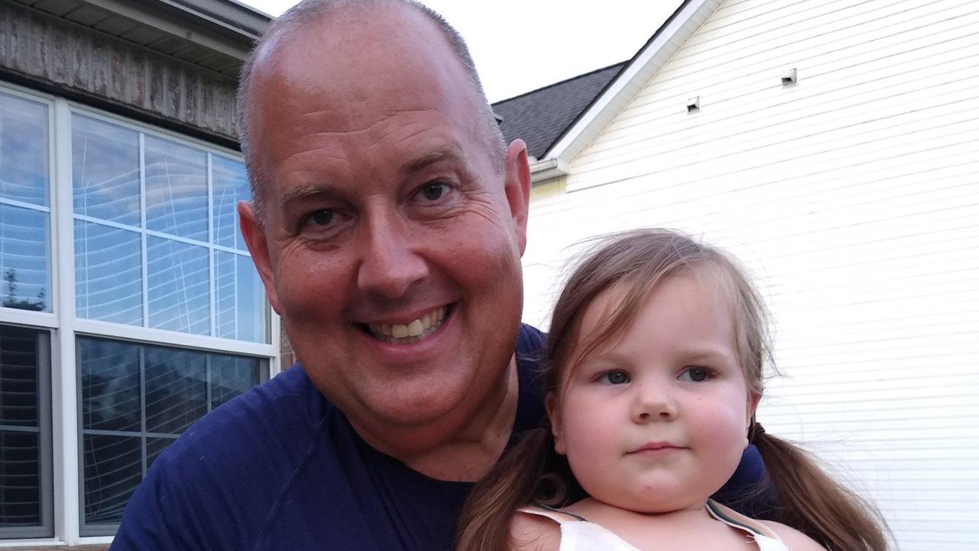 Off-duty police officer rescues neighboring 2-year-old from drowning after hearing screams five doors down