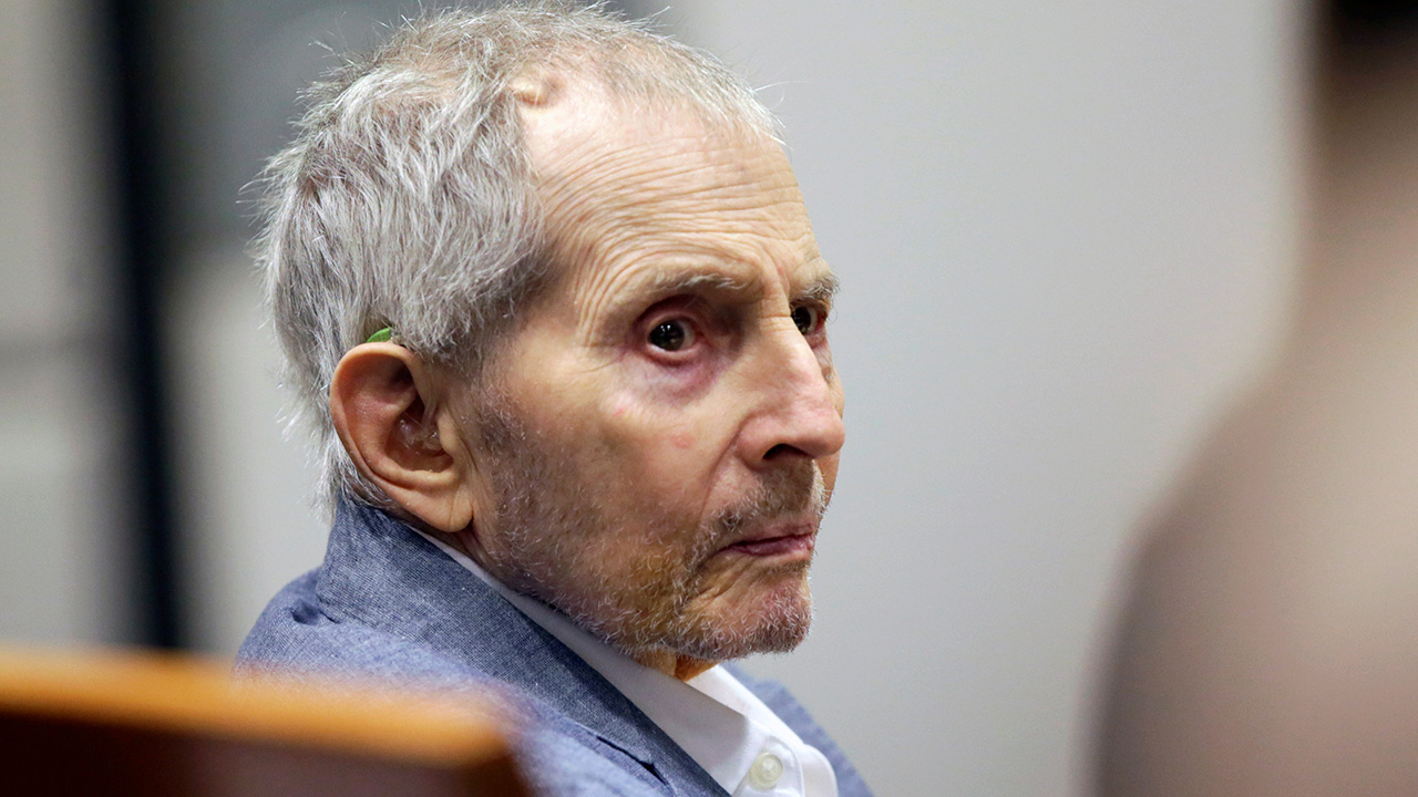 Robert Durst placed on ventilator after contracting COVID-19