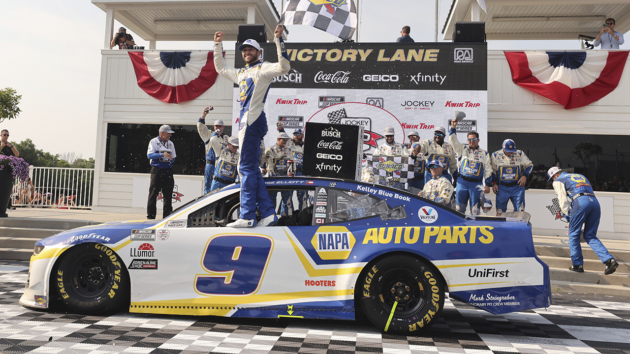 Chase Elliott wins NASCAR Cup Series race at Road America
