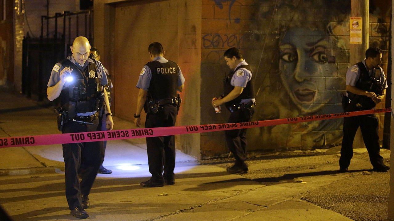 South Carolina deputy injured, suspect killed in shootout, authorities say