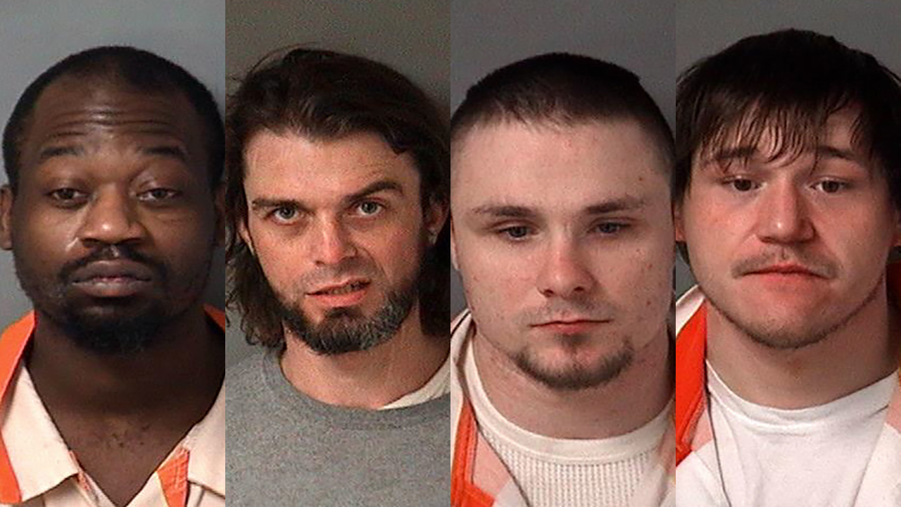 Illinois town locks down after 4 inmates escape jail