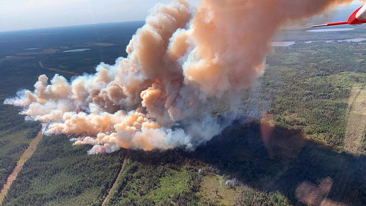 Dozens of residences evacuated as Minnesota wildfire spreads