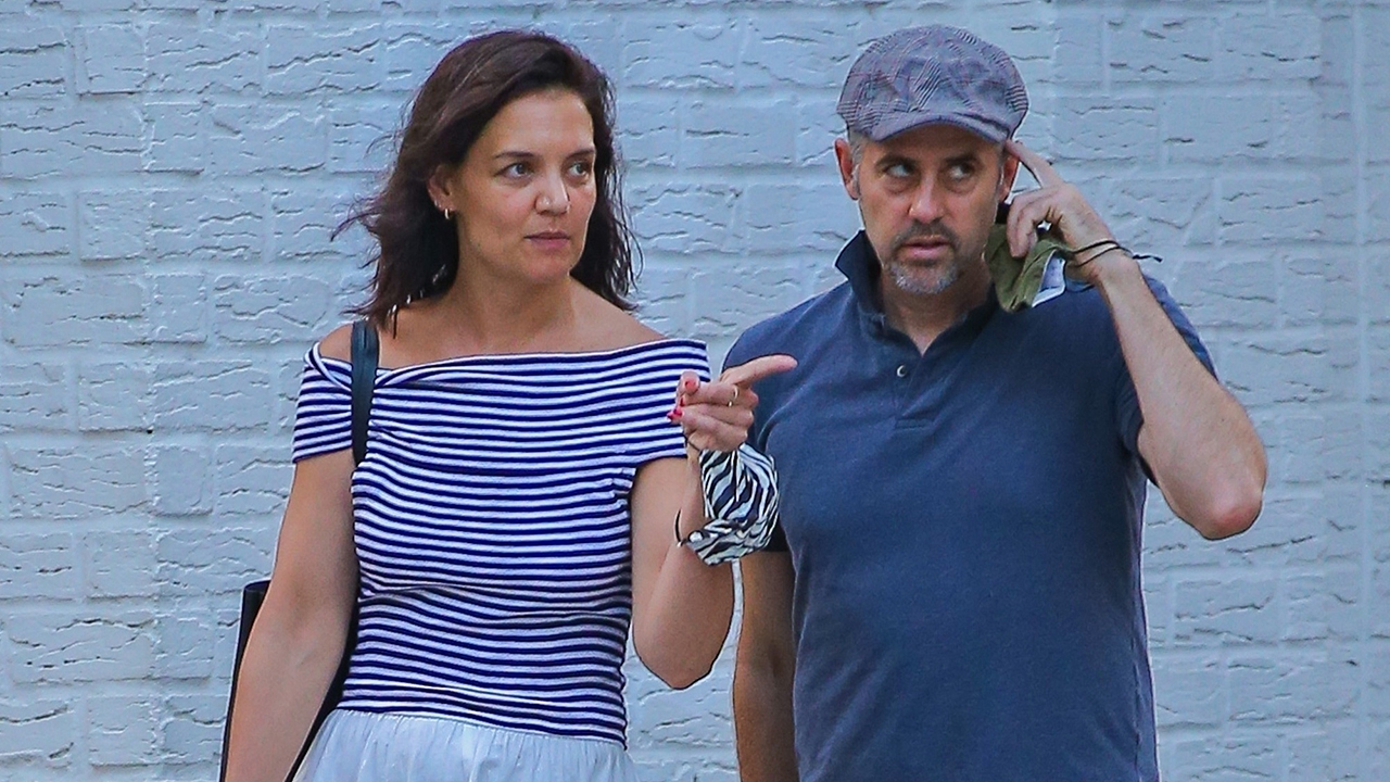 Katie Holmes steps out with mystery man after break up with chef Emilio Vitolo Jr.