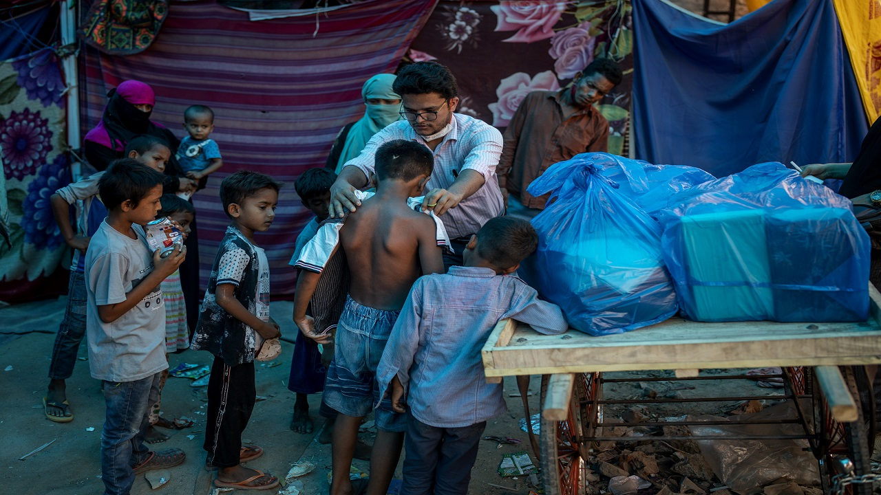 Coronavirus vaccine shortage: World's refugees pushed to the back of the line