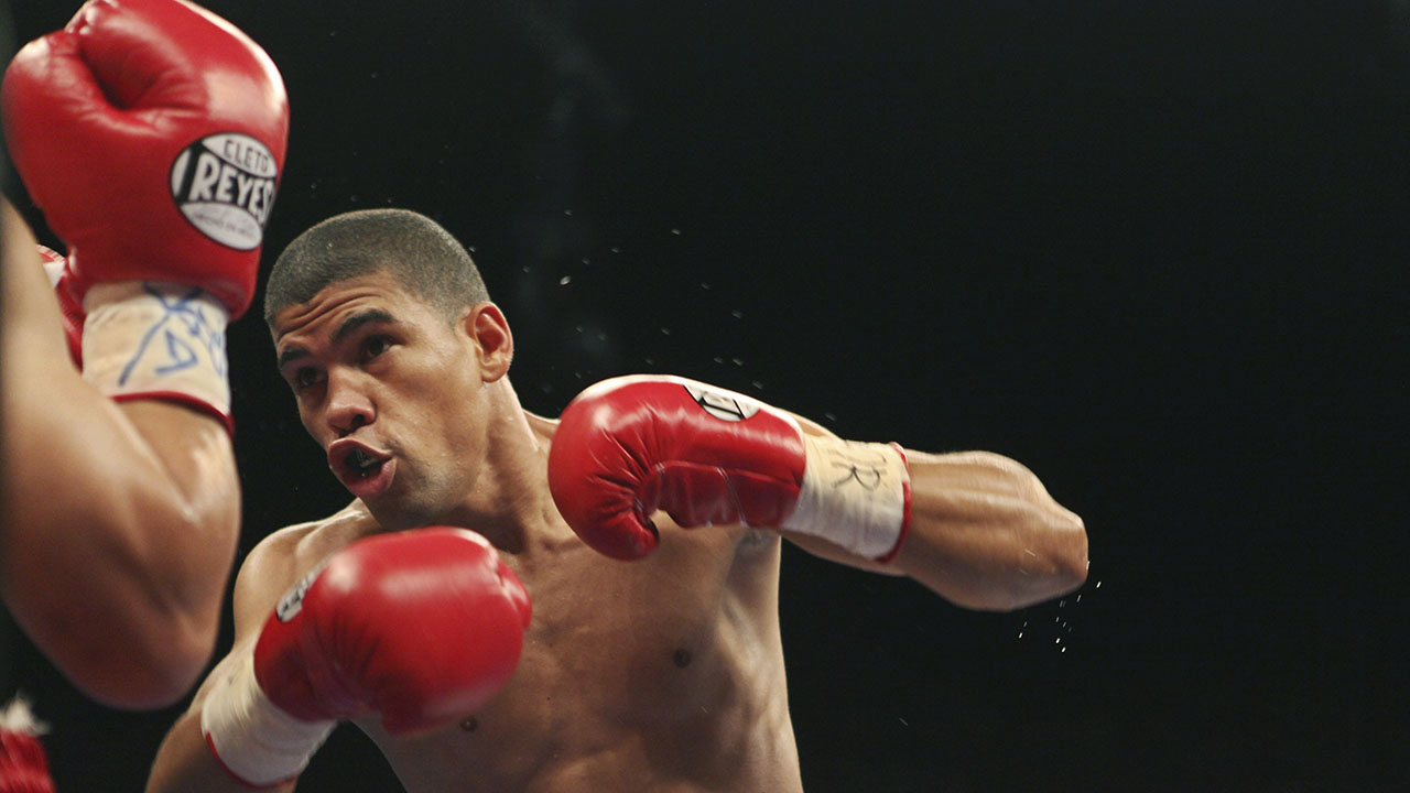 Ex-Puerto Rico boxer charged in domestic violence case