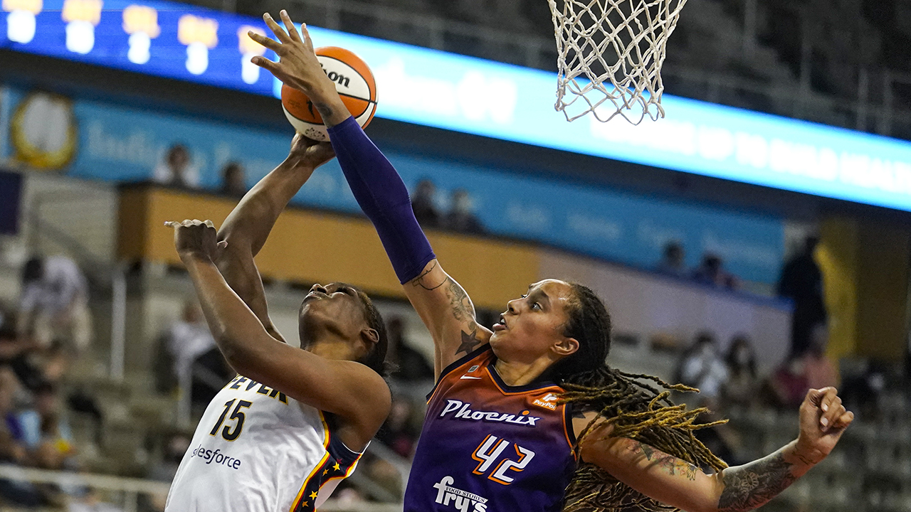 Mercury hold off Fever's late rally, win 9th straight, 86-81