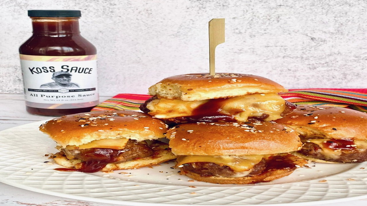 Cheesy meatball sliders with barbecue sauce: Try the recipe