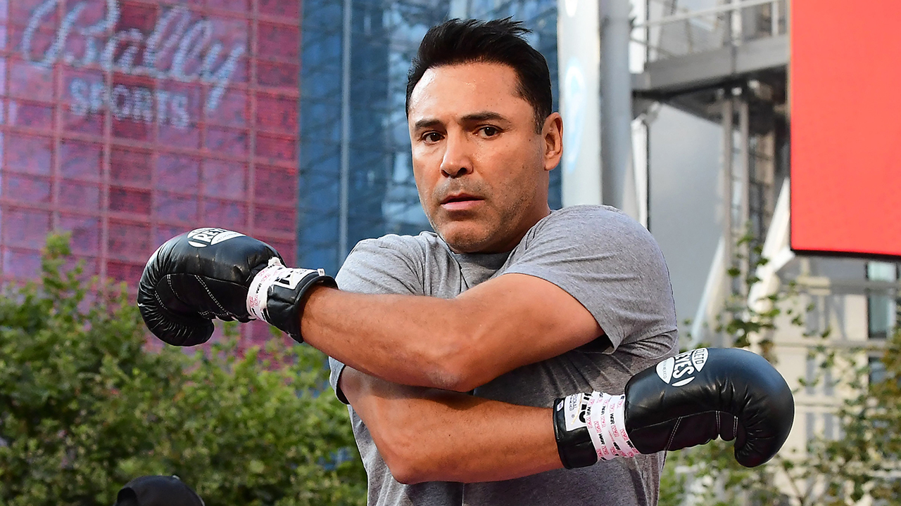 Oscar De La Hoya says he's out of the hospital after 3-day bout with coronavirus
