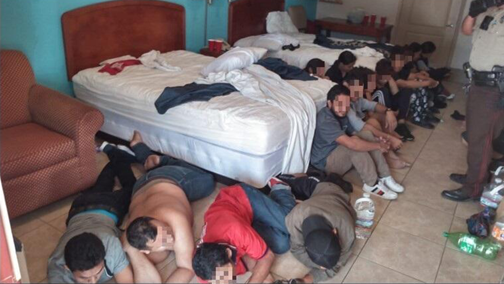 Texas Border Patrol discovers hotel room packed with illegals in suspected human smuggling operation – Fox News