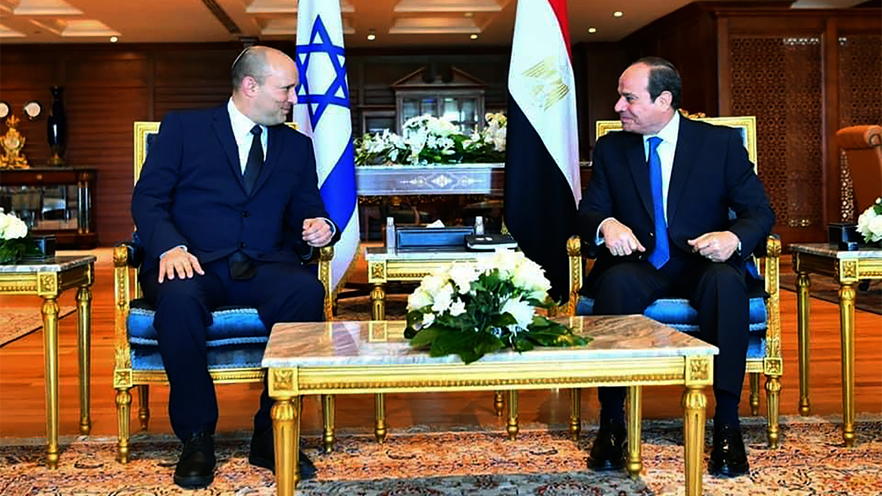 Israeli PM Bennett meets with Egyptian President el-Sissi
