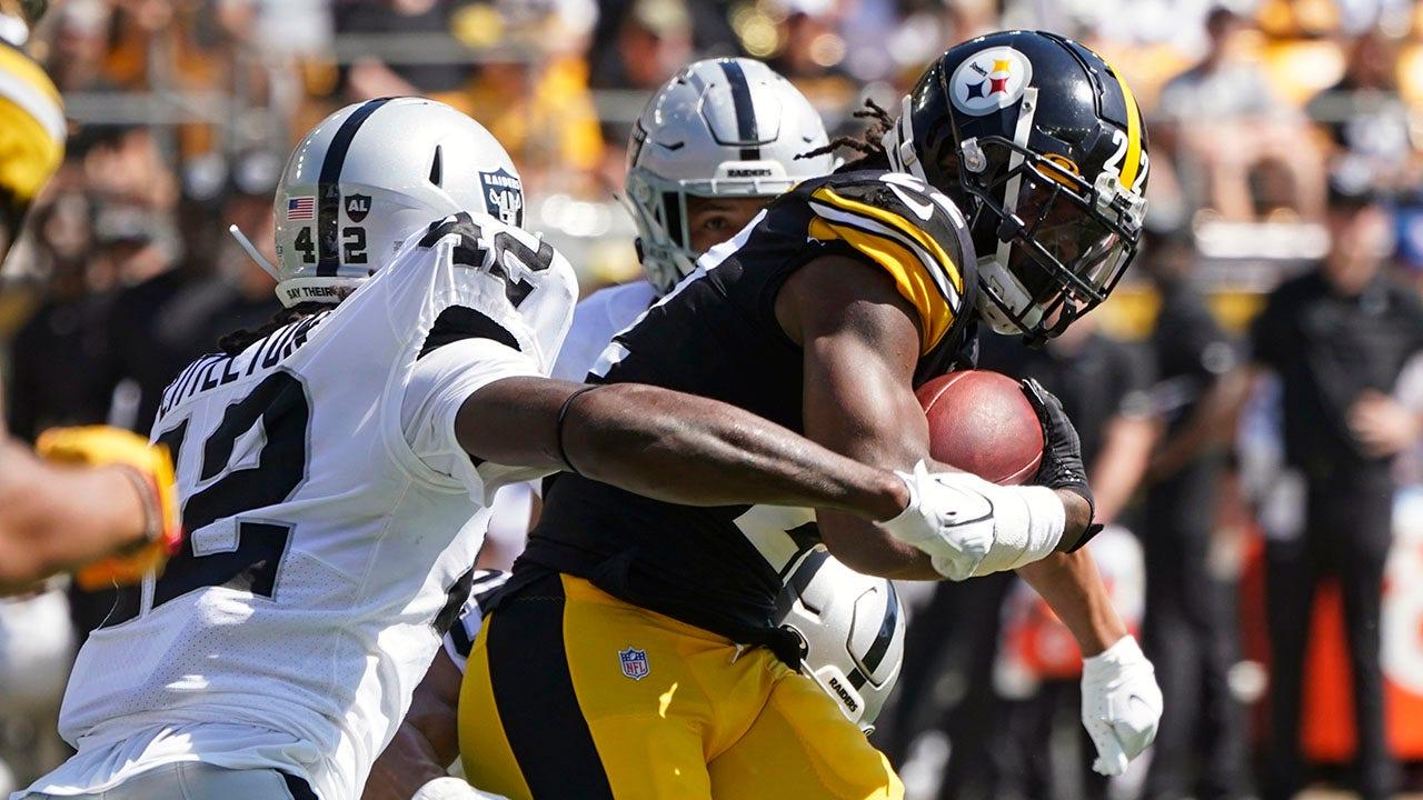 Steelers' running back Najee Harris delivers brutal stiff arm to Raiders defender | Fox  News