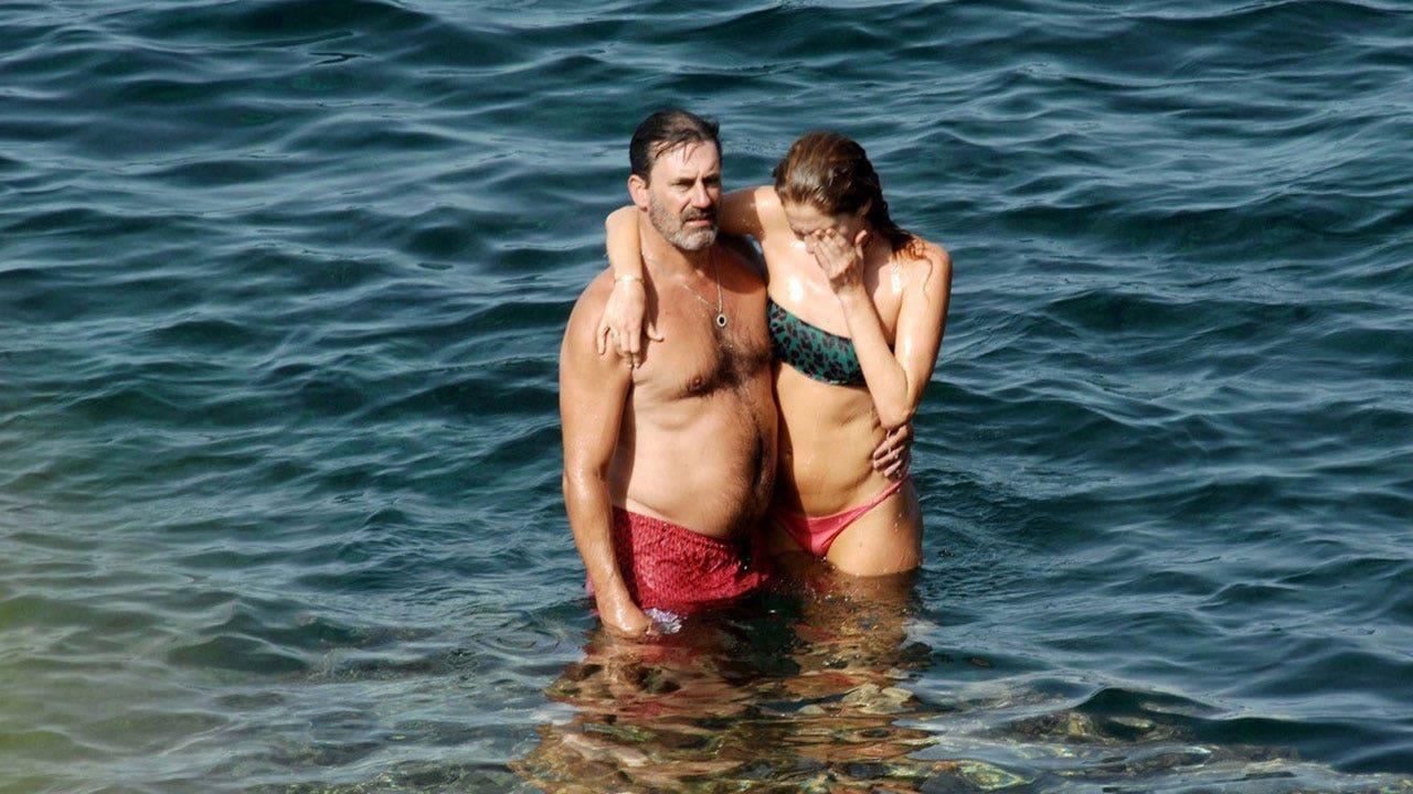 Jon Hamm and girlfriend Anna Osceola get handsy during vacation