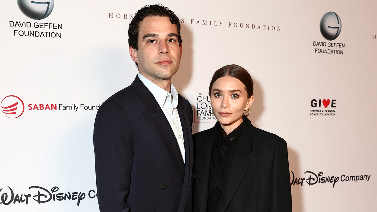 Ashley Olsen makes red carpet debut with boyfriend Louis Eisner