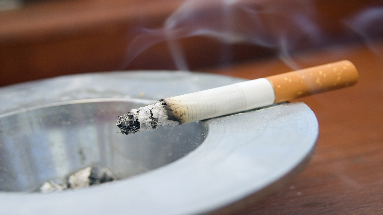 Quitting smoking leads to eating more junk food, weight gain, study finds