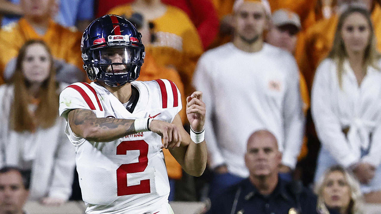 Corral, Stoops spice up SEC while 'Bama, 'Dogs lead the pack