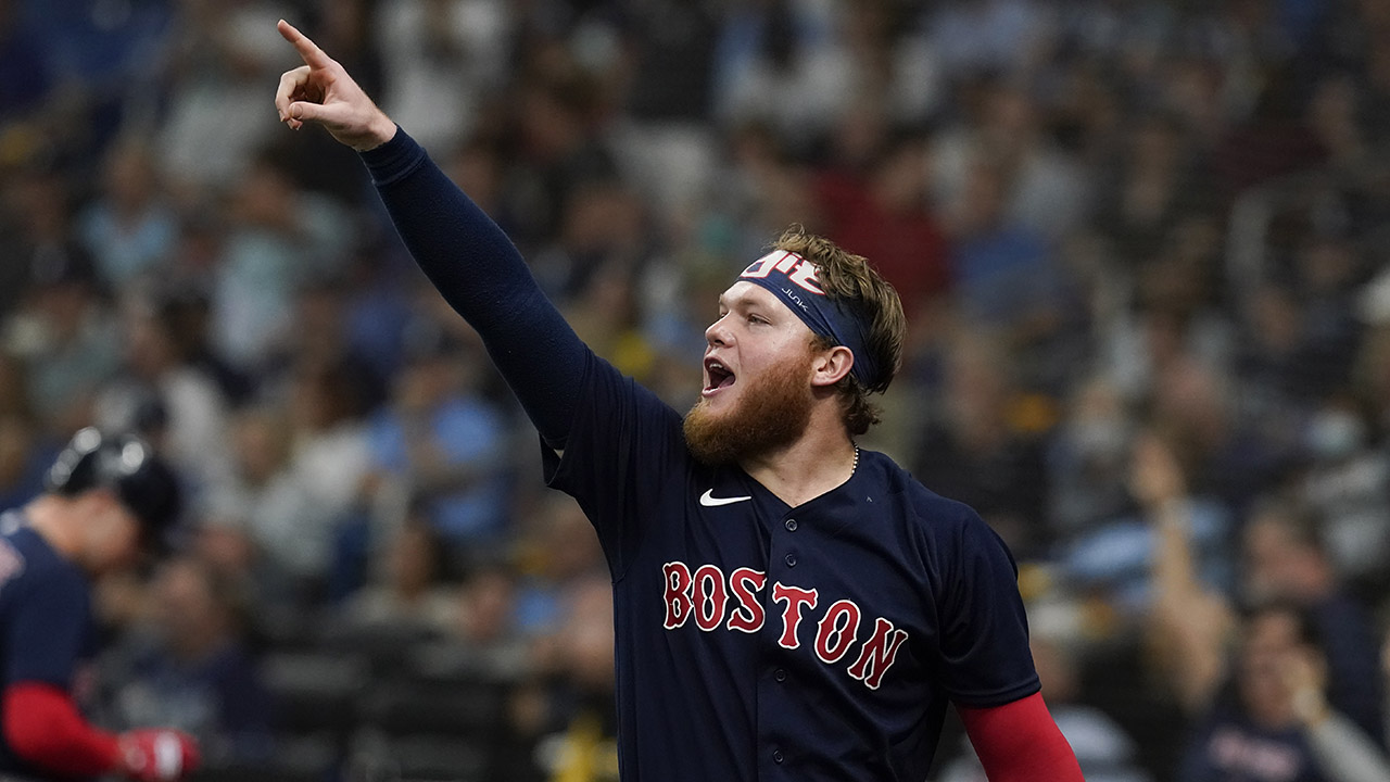 Red Sox flex muscles, power past Rays 14-6 to even ALDS 1-1